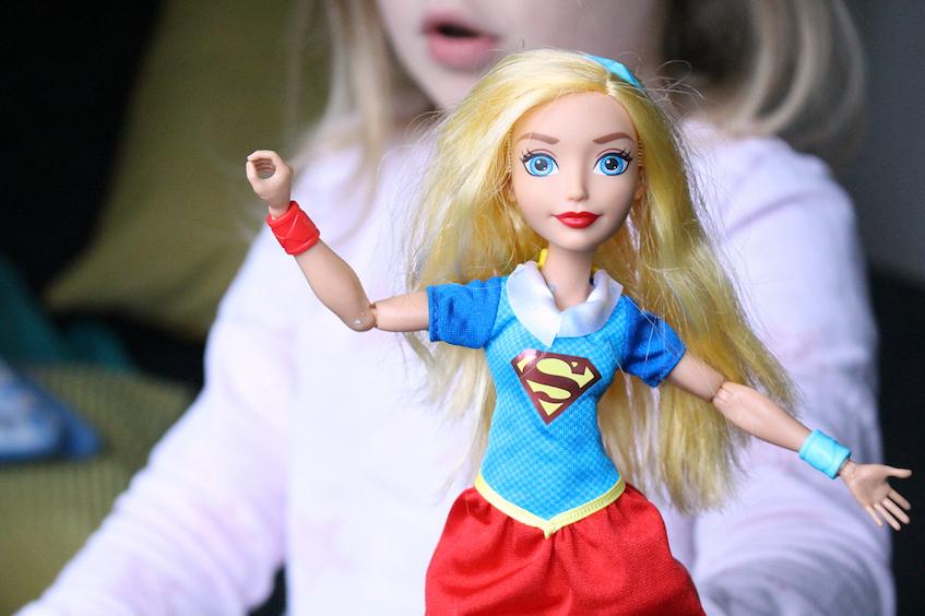 Weihnachtliche Geschenkideen mit Warner Bros Supergirl DC Super Hero Girls